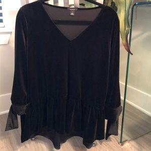 Halogen Black Velvet Mid Length Sleeve Top